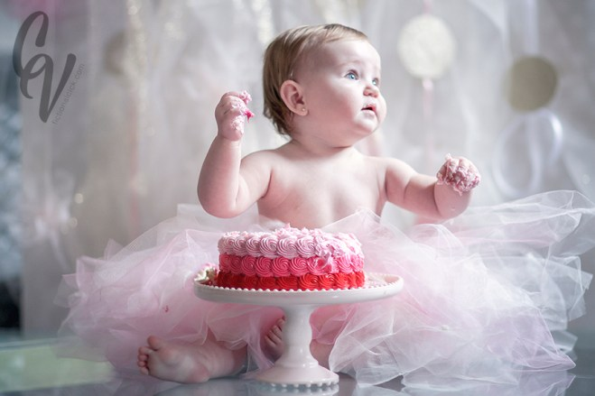 Avacyn: First Birthday Cake Smash