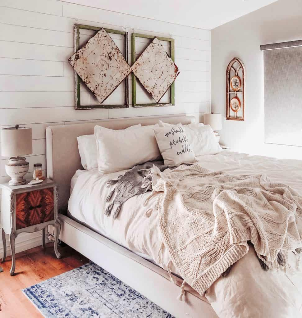cozy vintage farmhouse bedroom