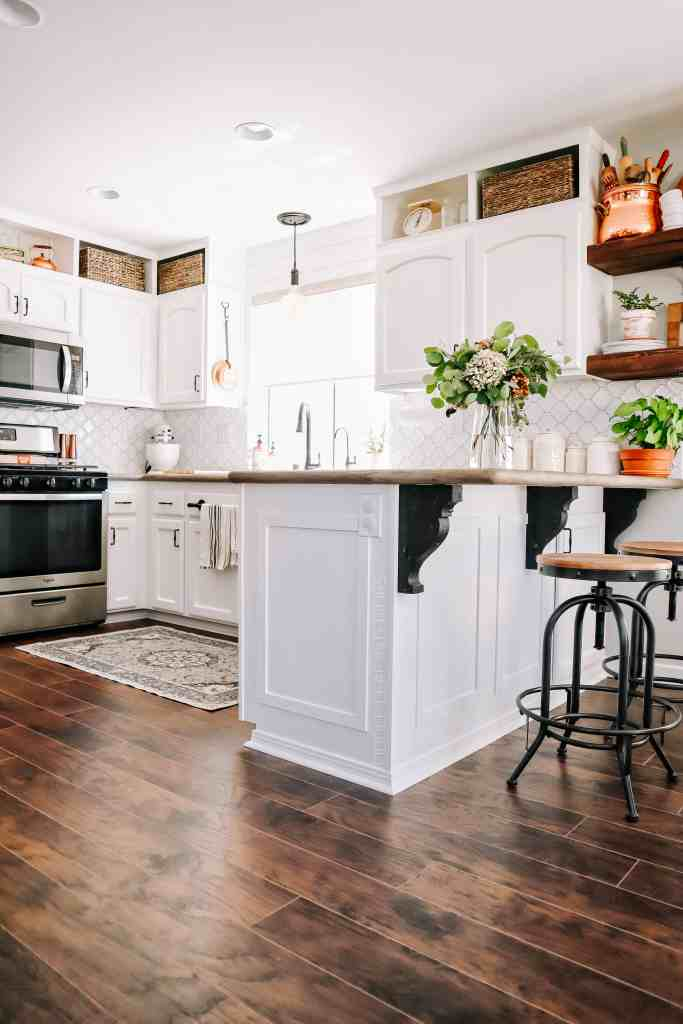 farmhouse kitchen with ruggable washable rug