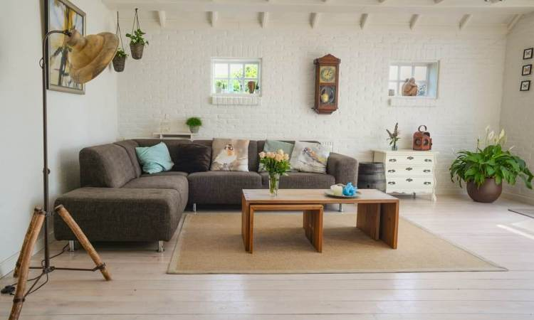 Eclectic decorating style guide with examples and tips