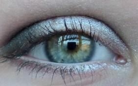 look-beauty-triple-hit-eyeshadows-sexy-smoke-swatch-02