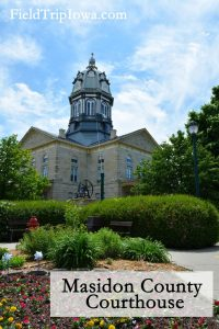 Winterset Town Square Madison County Courthouse - Kid-friendly Weekend in Madison County