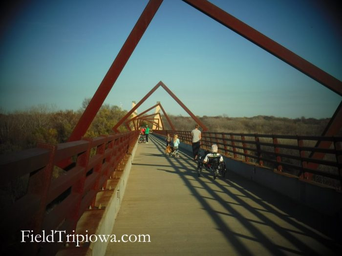 people on High Trestle Trail Bridge