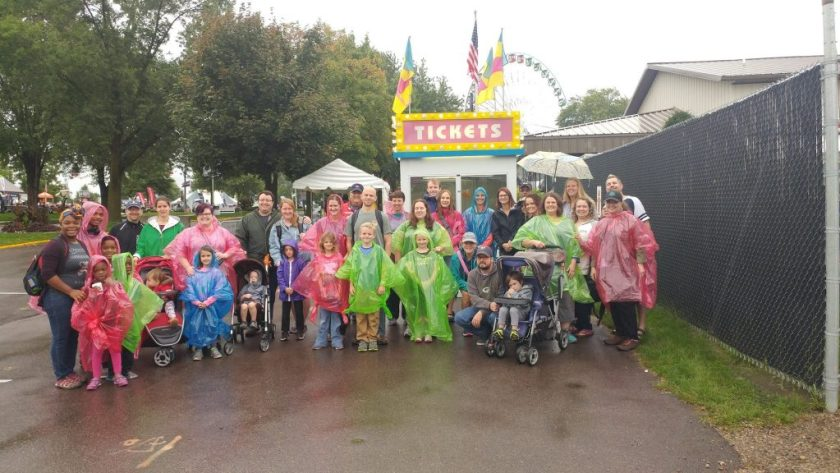 Group of Bloggers from the #MNStatefairbound 2017 tour with Rosevillie Visitors Association