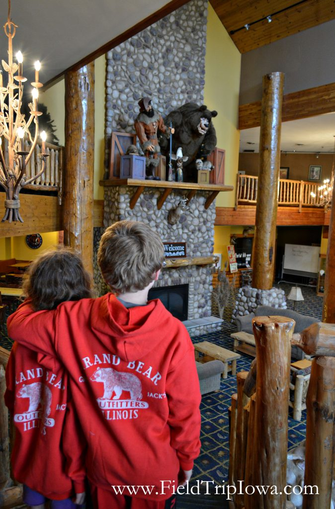 Children wearing sweaters with at Grizzly Jack's Grand Bear Resort and Indoor Waterpark logo in IL