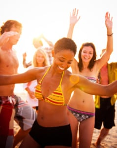 Outdoor dance fests are a good way to have fun and burn calories.  (Photographer: Robert Churchill/Getty Images)