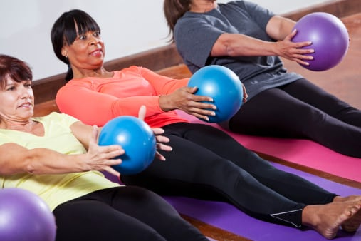 You're less likely to get bored working out with friends.  (Photo: kali9/Getty Images)