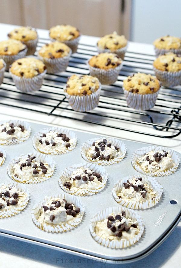chocolate chip banana nut muffins | fiestafriday.net