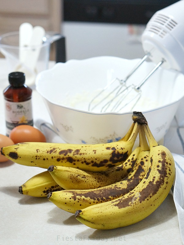 ripe bananas | fiestafriday.net