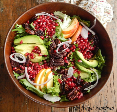 winter-salad-with-pomegranite-avocado-31