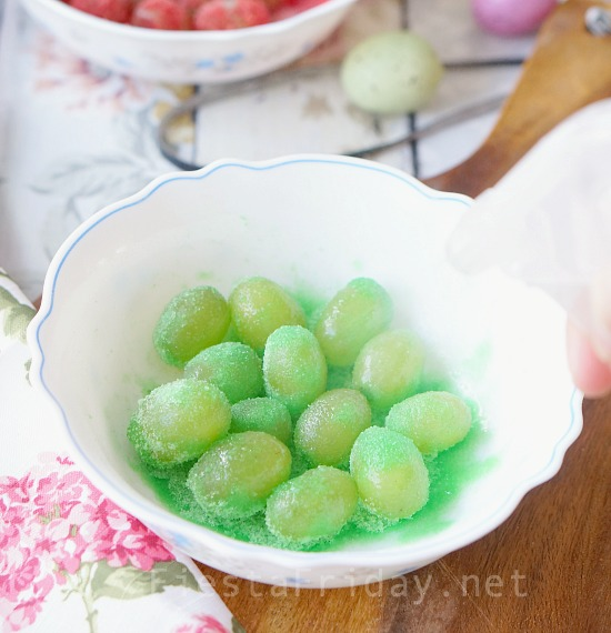 how-to-make-sour-patch-grapes | fiestafriday.net