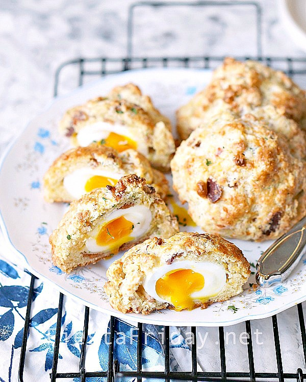bacon-biscuits-stuffed-with-soft-boiled-eggs   fiestafriday.net