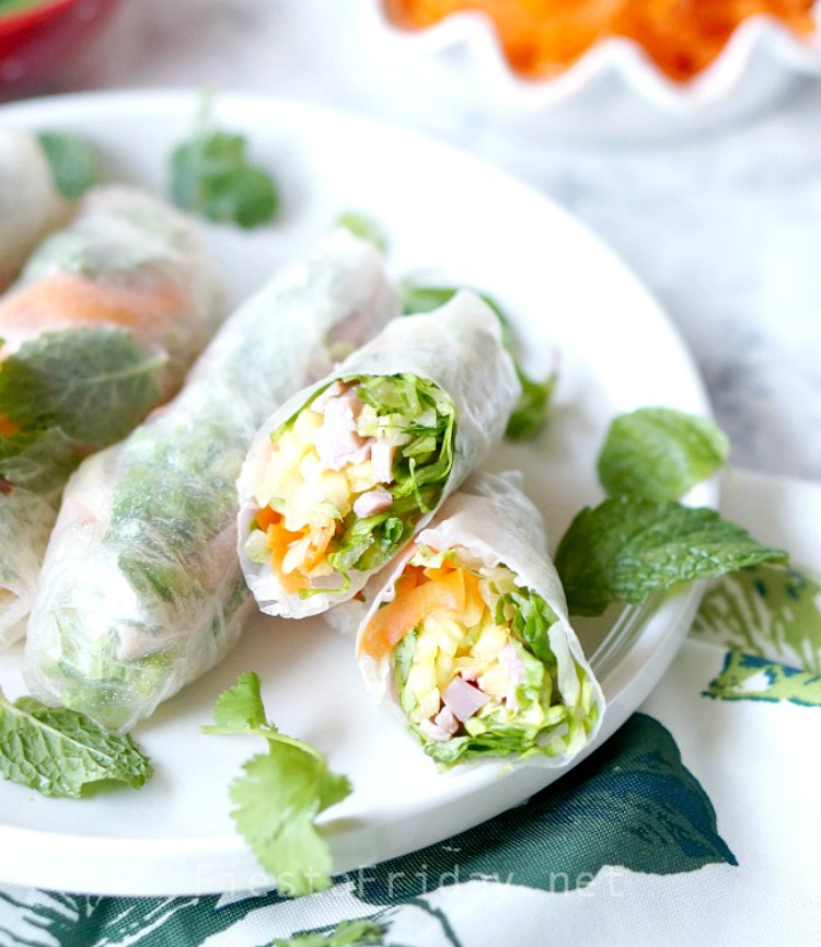 Summer rolls using leftover holiday ham | FiestaFriday.net