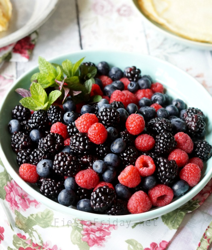 Bowl of Beautiful Berries | FiestaFriday.net | Healthy topping for desserts! #berries #healthy #crepes #dessert #snack #sweetsnack
