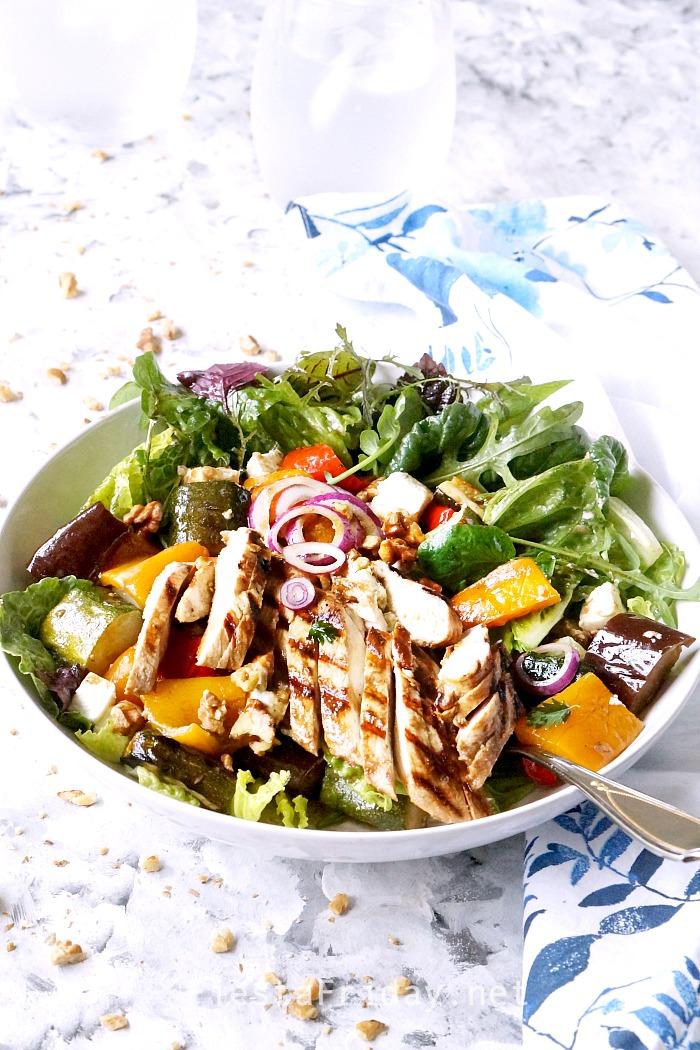 Grilled Vegetable Salad with Chicken with sweet balsamic dressing. Serve it warm or cold. It's a family favorite! #fiestafriday #cleaneating #healthy #recipe #recipe #lowcarb #keto #vegetables #grill