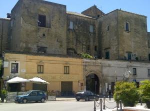 16juni2012_2_Koffie in het Castello Ducale (sec. xv)