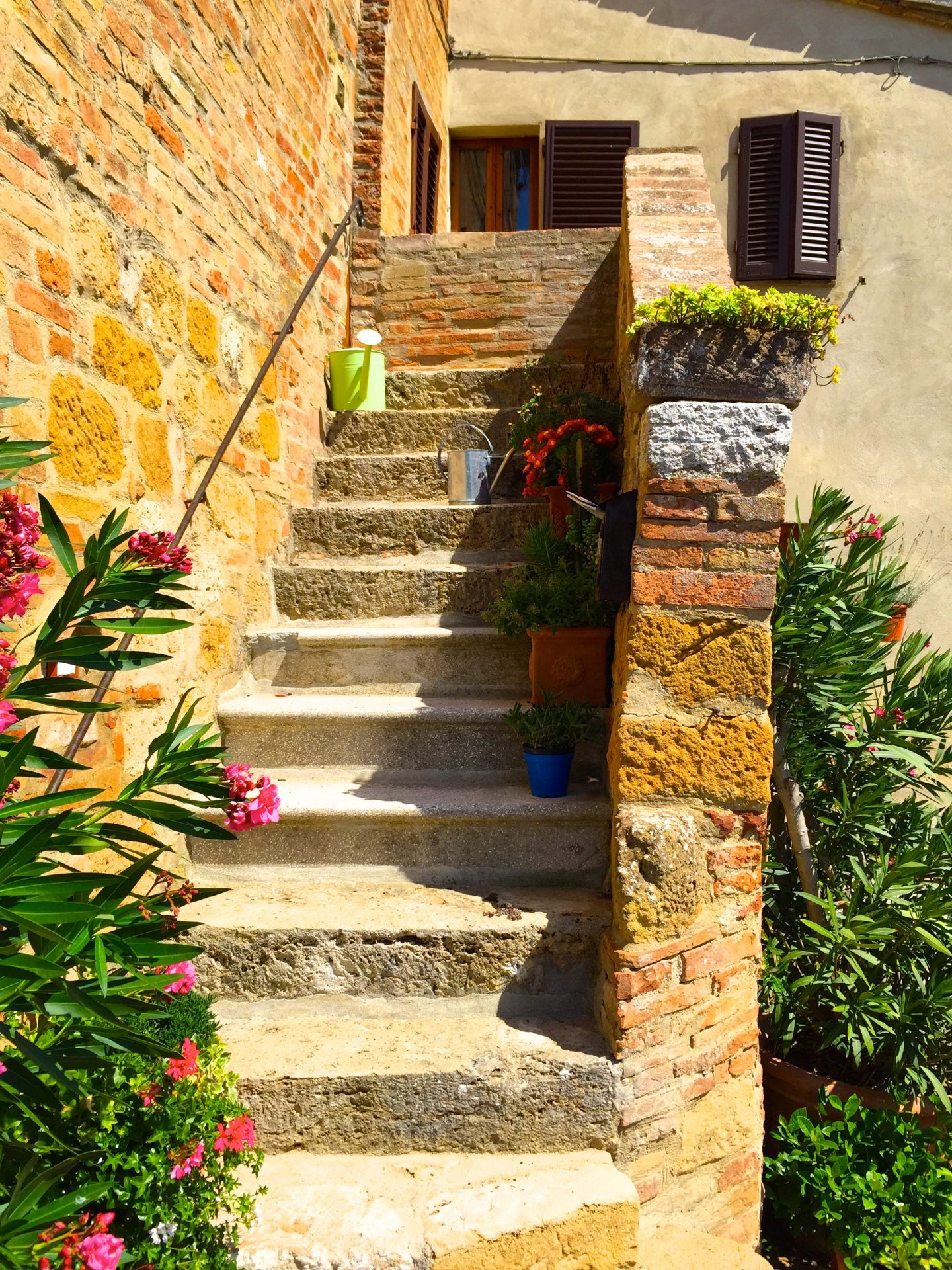 Happened upon a picturesque outdoor staircase in Pienza Tuscany.