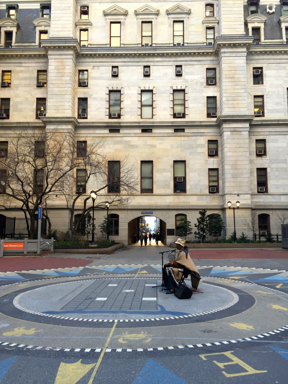 city-hall-musician-philly-