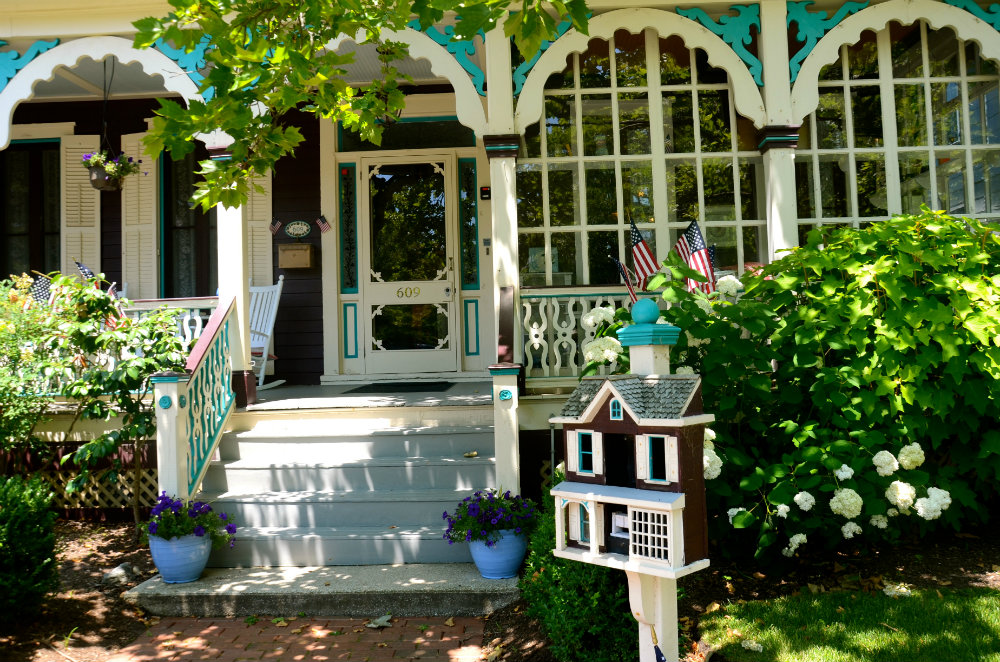 Exploring the Cape May victorian houses.