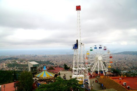 Bets of Barcelona with kids at Tibidabo park.
