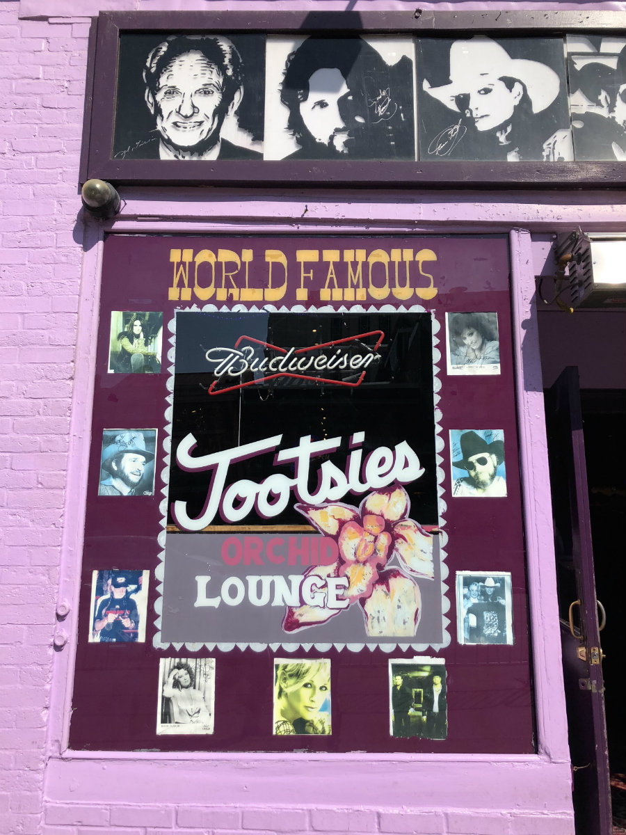 A visit to Tootsie's in Downtown Nashville