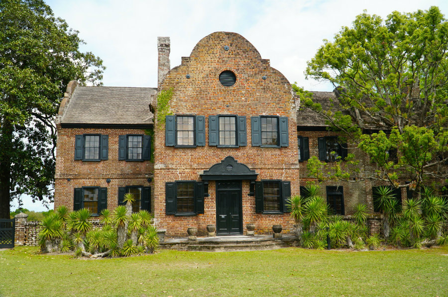 We took a tour of the Middleton Plantation house on our Charleston Getaway weekend