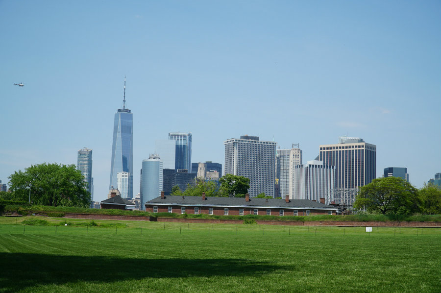 Visitors Guide to Governors Island in New York, exploring the grounds