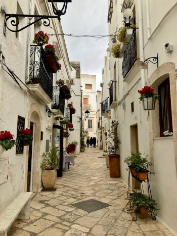 Locorotondo-town-Puglia