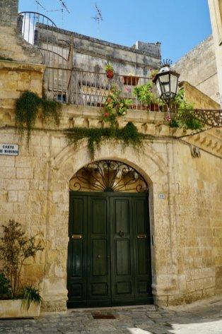 Lecce-Puglia-green-door