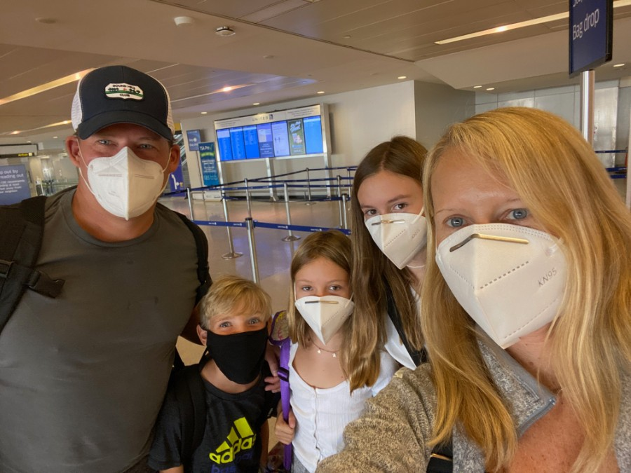 Flying-masks-airport