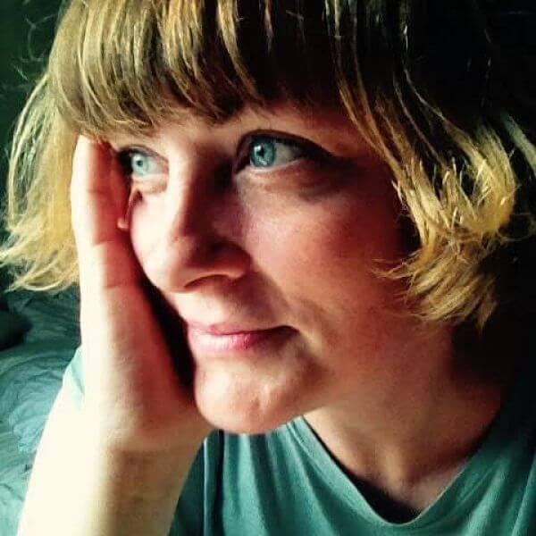 Marie Hall – Fifi Friendly Festive Fast Five