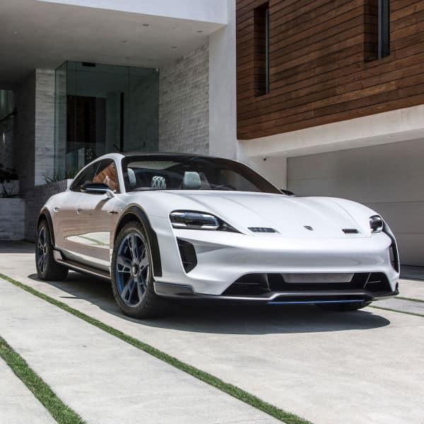Porsche Mission E Crossover turismo