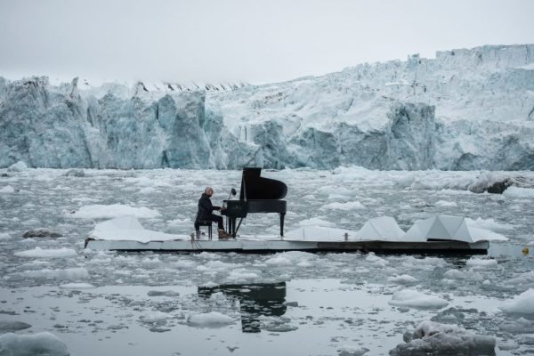Italian Pianist Ludovico Einaudi screams for the salvation of the Artic through the piano keys..