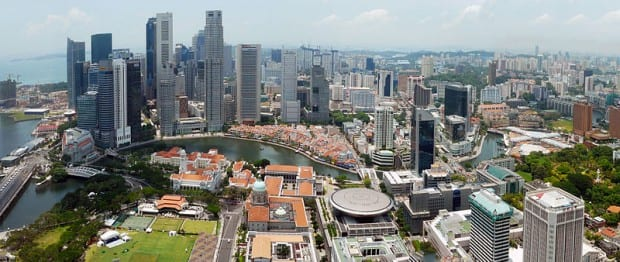 Singapore_city_skyline_2010_day_panorama