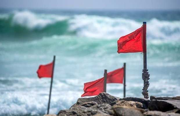 5 management red flags to watch out for before you invest in