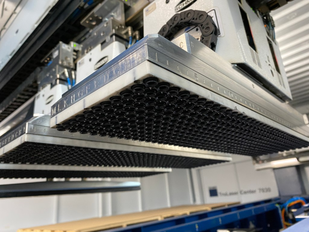 Trumpf TruLaser Center 7030 SMS suction cups