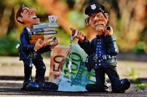 money-1060125_640
