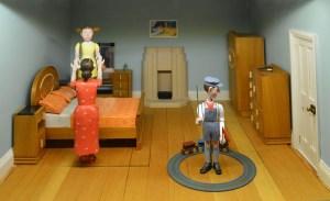 dolls-house-1473948_640