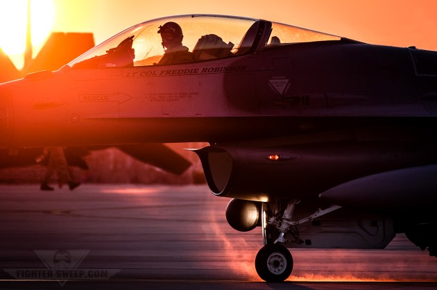 usaf fighter pilot shortage queepin it real fighter sweep