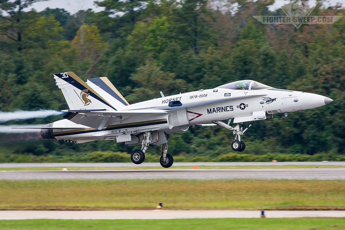 Hornet vs Viper, F/A-18 vs F-16: Which is better   FighterSweep