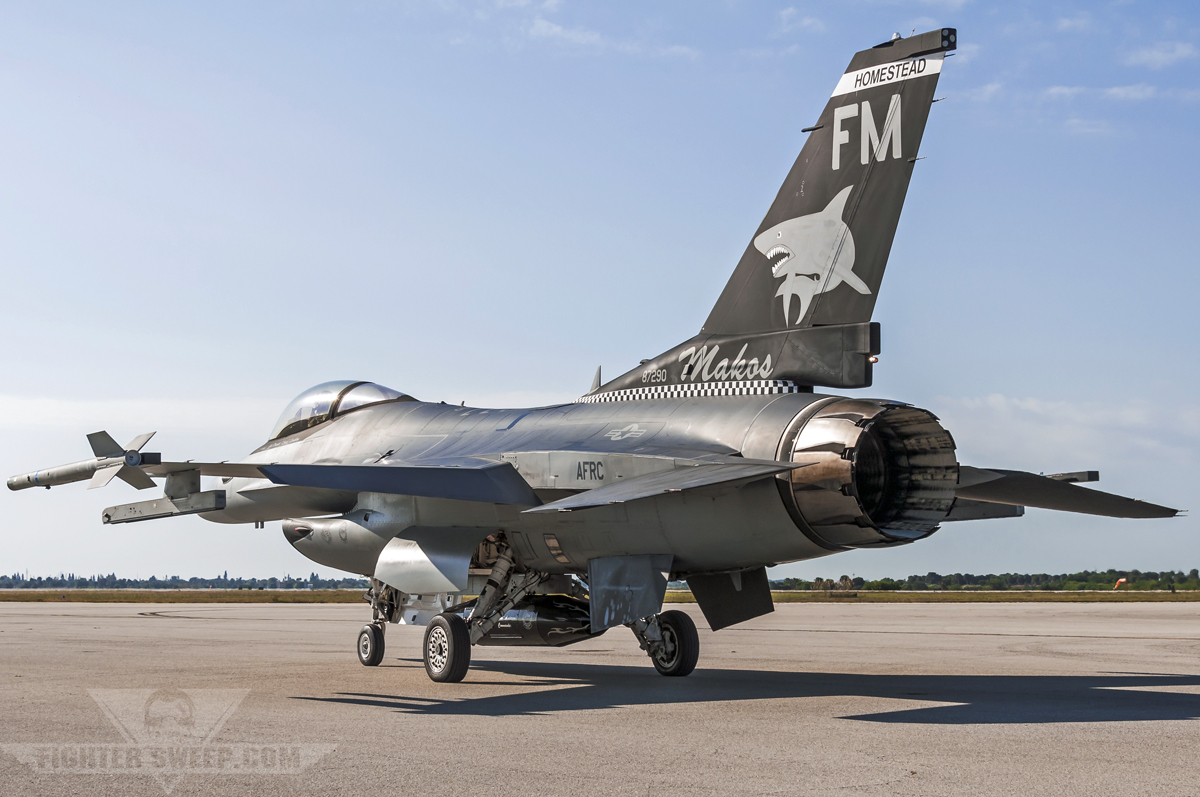 hornet vs viper f a 18 vs f 16 which is better fightersweep rh fightersweep com
