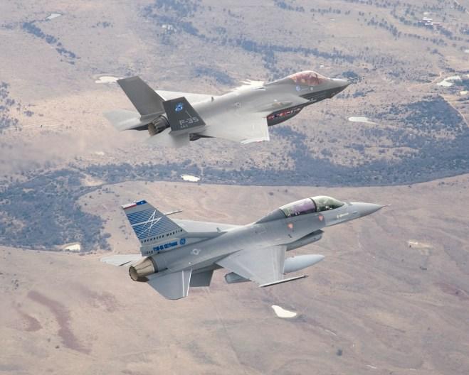 F-35 v F-16