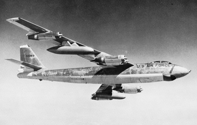 Boeing B-47E-50-LM (S/N 52-3363) in flight. (U.S. Air Force photo)