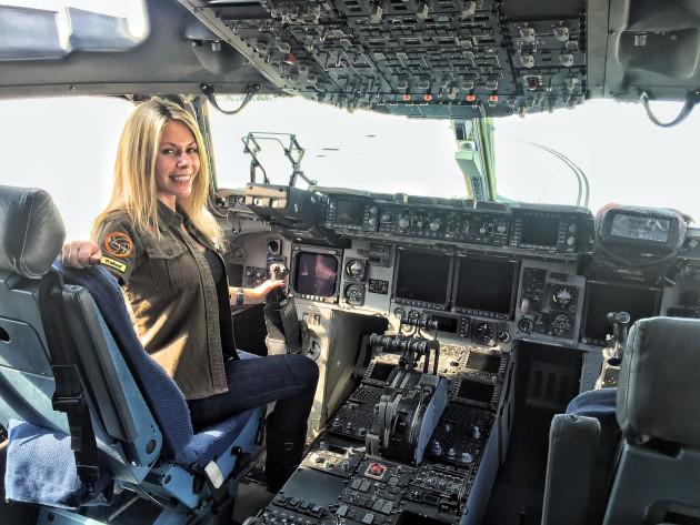 Rachelle Cockpit