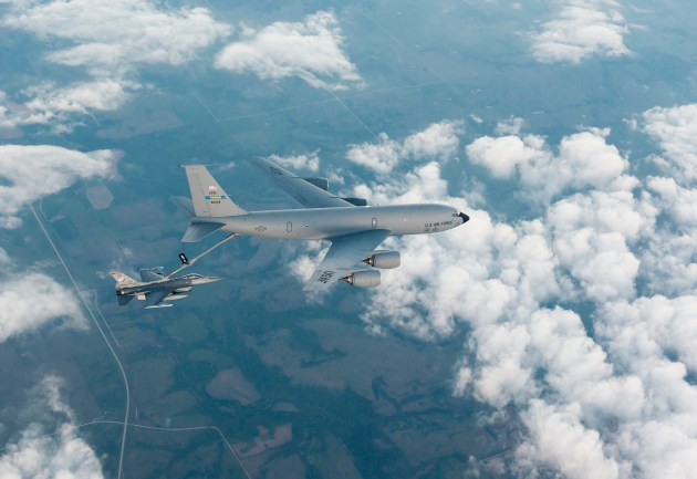Tanker Crew Saves F-16 Pilot Over Syria!