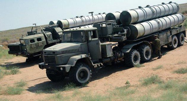 The Almaz-Antey S-300 long-range SAM system. (Photo courtesy of Sputnik News)