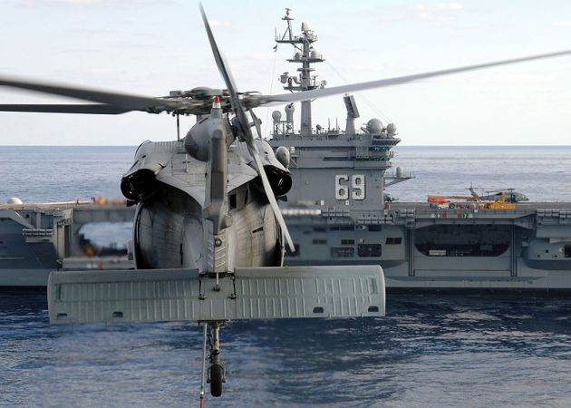 mh60 seahawk helicopter