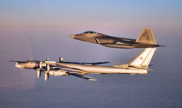 3d_Wing_F-22_intercept_TU-95_Bear