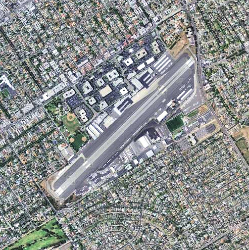 Santa_Monica_Airport_-_California-SMO
