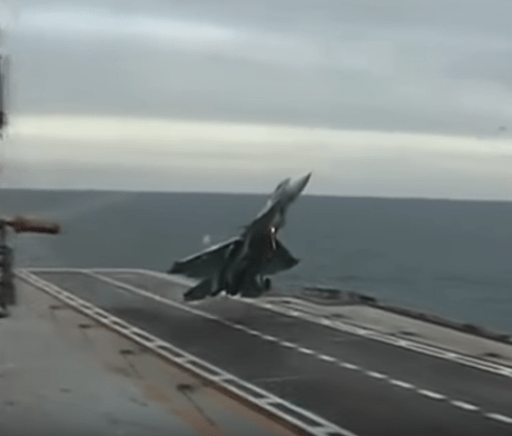 crazy-carrier-landing